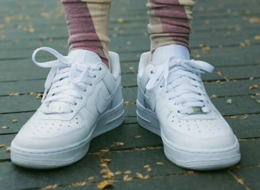 穿空军一号为什么脚臭 穿AJ脚臭就是假鞋吗