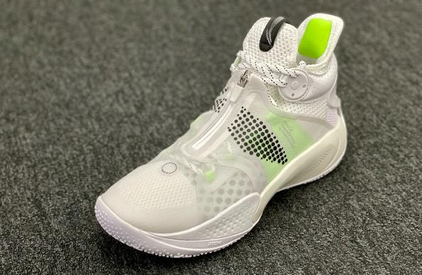 李宁音速 9 全新䨻版本鞋款亮相,高配「精英款」